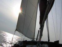Si viaggia in barca a vela