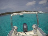 Navigando al largo della Sardegna