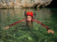 decidi di scalare o di tuffarti in acque cristalline