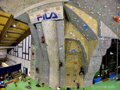 Lezioni d'arrampicata in palestra Courmayeur