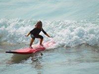 Corsi di surf per grandi e piccoli