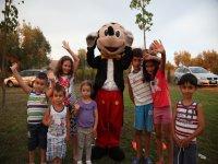Foto di gruppo con Mikey Mouse