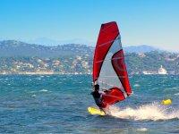 Windsurf sul lago
