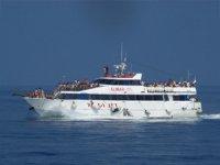 Gruupi di persone in barca