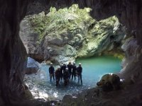 Canyoning lungo le grotte