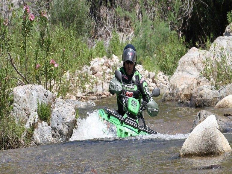 in quad sul fiume