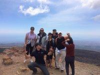 Foto di gruppo sul vulcano