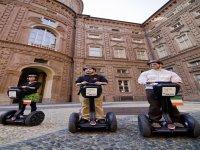 Si raggiunge il cuore dei palazzi storici: Palazzo Carignano.