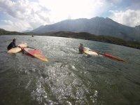 Lezioni di windsurf sul Lago di Cavedine