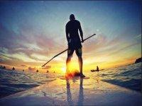 Paddle surf al tramonto