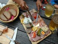 Piatto di salumi e formaggi