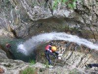 Vicino alla cascata