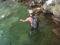 Entrando Nell'Acqua Con Cautela