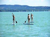 Imparando i segreti dello stand up paddle