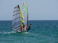 Coppia di windsurfer