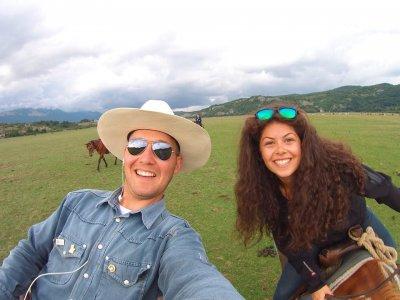 Valentine's Day Couple Offer 1 hour on horseback