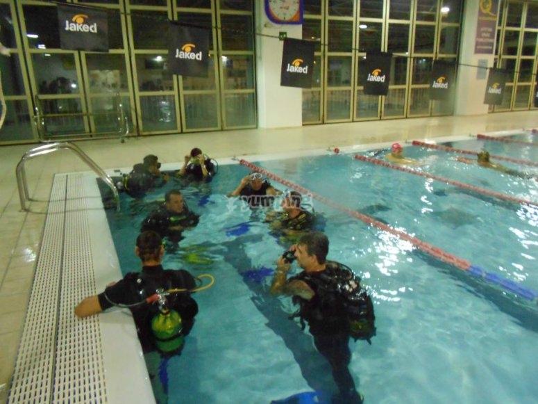 Prime prove in piscina