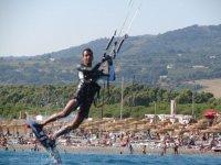 Kitesurfing in Hang Loose Beach