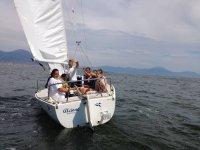 Scuola vela nel Golfo di Napoli