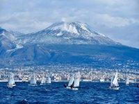 Regatta davanti to Napoli