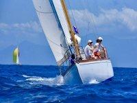 Scuola sailing to Napoli