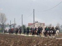 Trekking a cavallo di gruppo