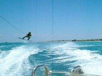 Divertimento sul wakeboard