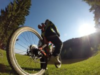 Una pedalata sotto il sole