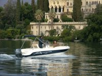 Trasporto nautico verso isola Garda