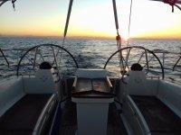 barca al tramonto
