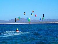 Scopri quanto è divertente il kitesurf
