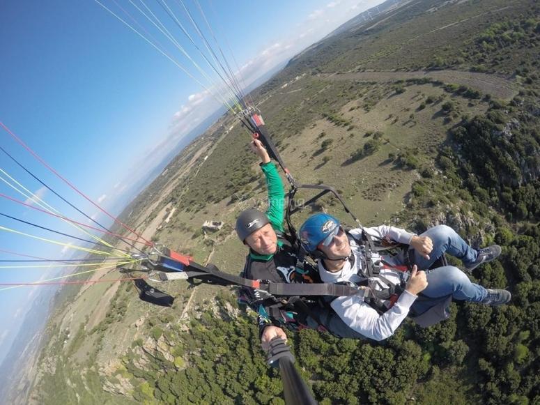In volo nei cieli della Sardegna