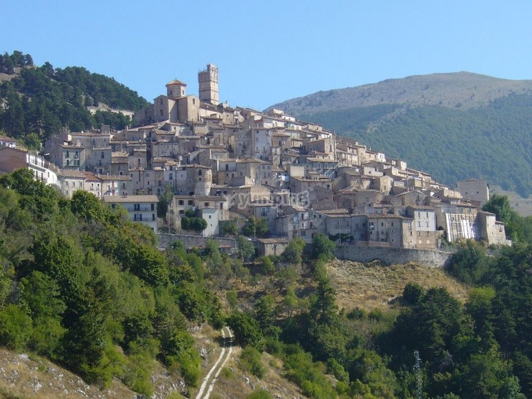 Panorama su Castel del Monte