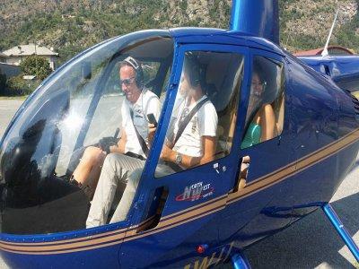 Volo in elicottero per 3 vicino Torino