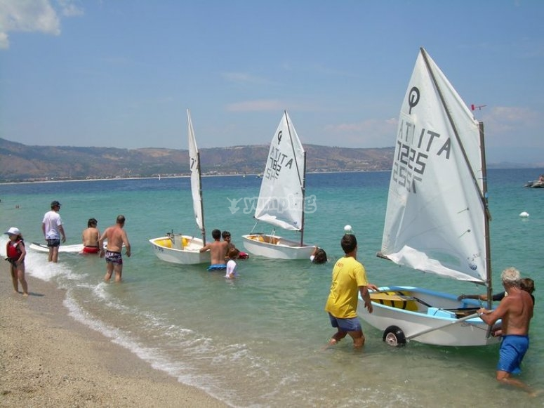 Group sailing courses