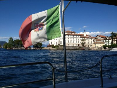 Tour in traghetto alle Isole Borromee di 5 ore
