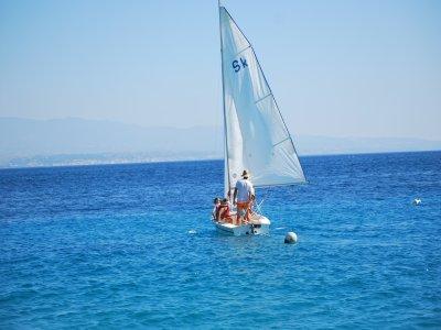 Lezione iniziazione alla vela a Montepaone 2 ore