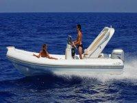 Gommoni e barche a noleggio