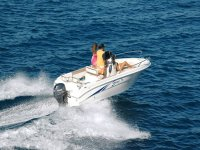 Motorized sea