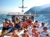 In barca tutti insieme