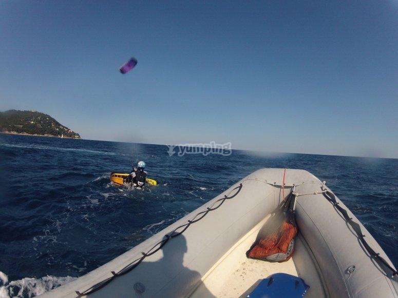 Esercitazioni kite dalla barca