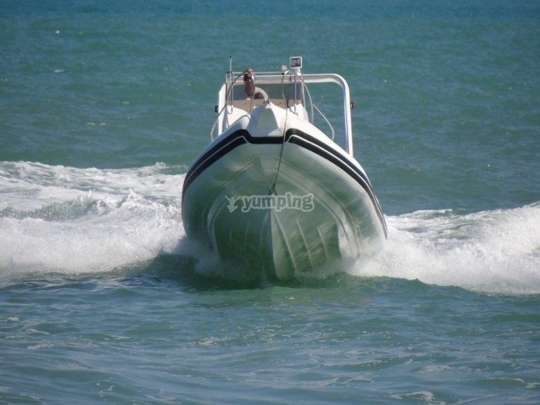 dinghy rental in Vieste