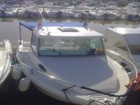 Barca con tendalino posteriore