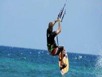 Corsi base kitesurf