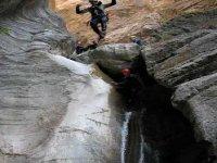 Discesa lungo i canyon
