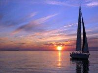 a unique stretch in sailing boat -