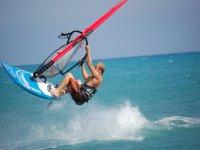 windsurf flying