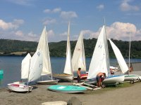Nostre vele sulla sponda del lago