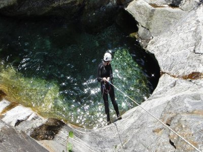 Mountain and Fitness Canyoning