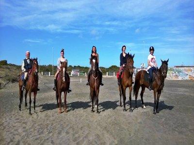 Giornata a cavalo in spiaggia+degustazione, Roma